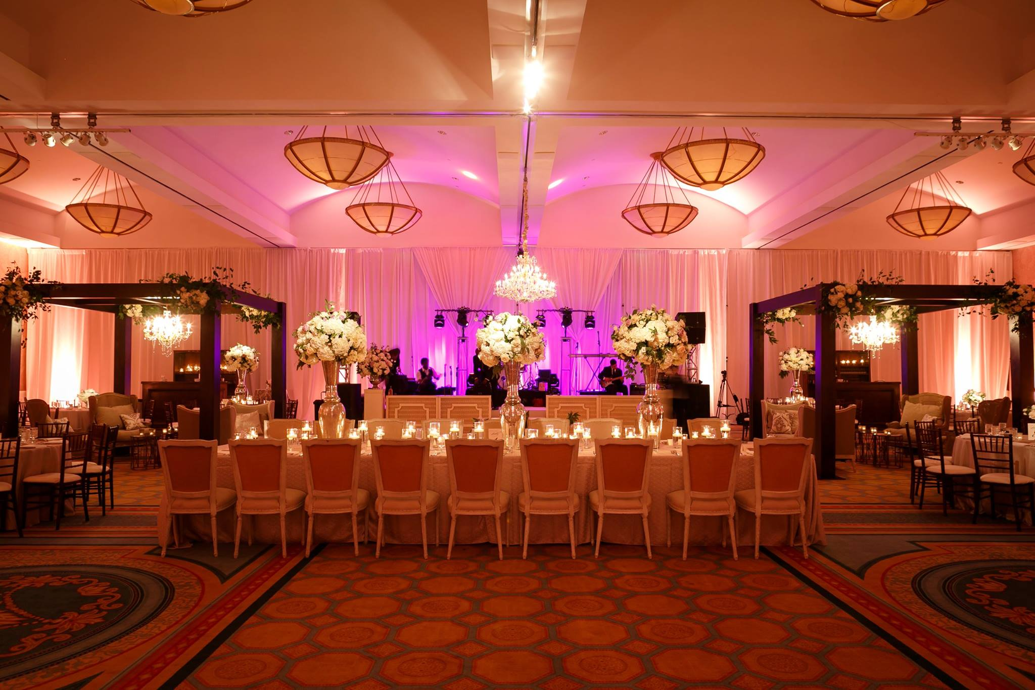 10849057 1039576489389981 23130130493126523 O Belobelo Mansionelegantevent Lightinglightinglightspinspotsuplightingwedding Lighting